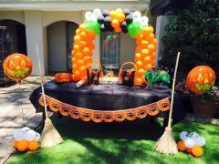 Halloween Party Balloon Decor
