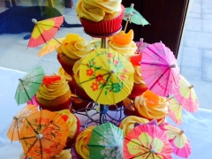 Hawaaiin Party Cupcakes